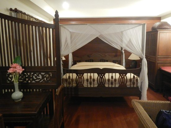 Baan Orapin Bed and Breakfast: Junior Suite in the back building