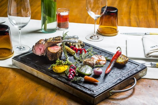 Ochos Steakhouse at Outrigger Koh Samui Beach Resort : half a rack of australian lamb