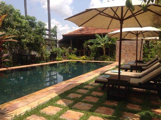 Bunwin Residence : The idyllic poolside setting