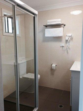 Alexander the Great Motel: Bathroom