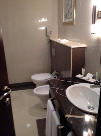 Media Rotana : Bathroom