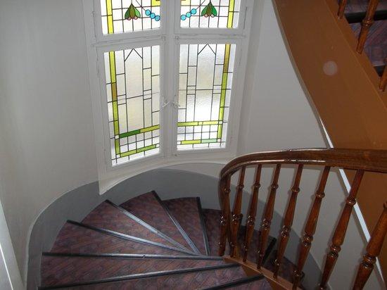 Drei Konige Hotel Lucerne: spiral staircase