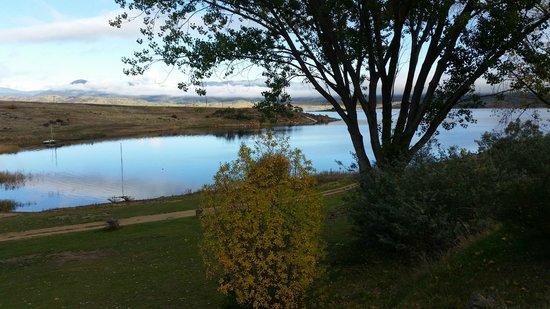 Siesta Villa Motel: Beautiful Lake Jindabyne