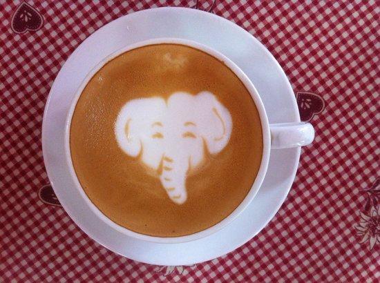 Le Cafe de Paris: Elephant