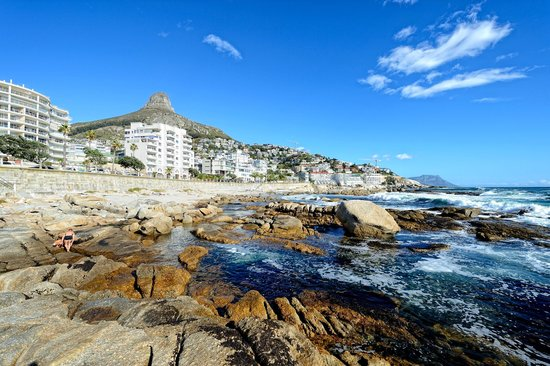 Bantry Bay Suite Hotel: Location