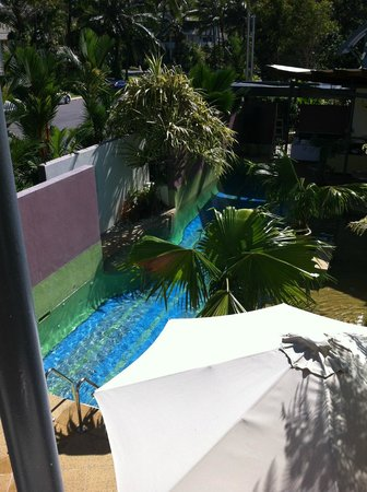 Peninsula Boutique Hotel: View from the sp area down to pool area