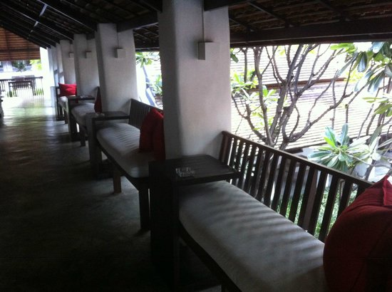 Rachamankha: the terrace in front of Deluxe rooms and overlooking the courtyard