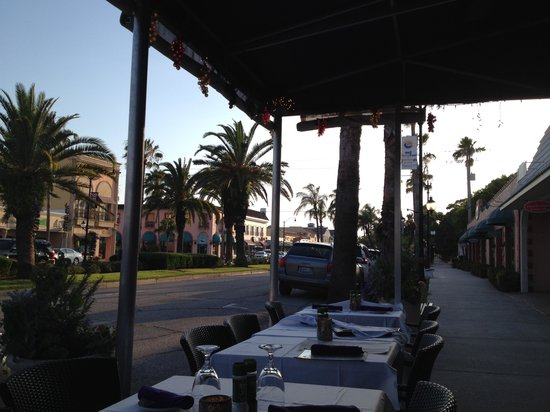 Cafe Venice: Nice outside seating