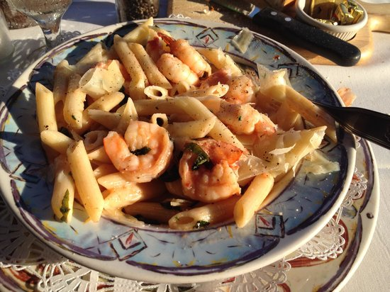 Cafe Venice: Delicious pasta and shrimp