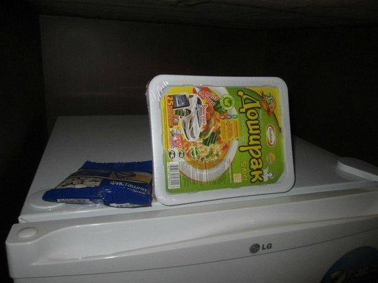 Hotel Asia: В каждом номере Доширак на случай голодовки