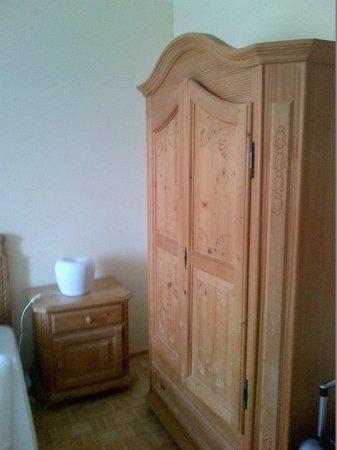Pension Adlerhof: cute wooden cupboard in the room