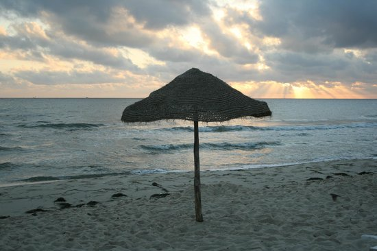Royal Beach Hotel: Раннее утро на пляже