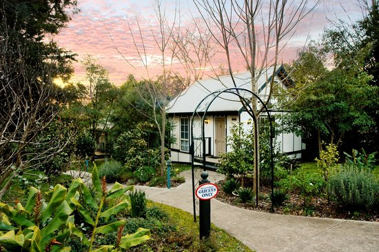 Olinda Country Cottages