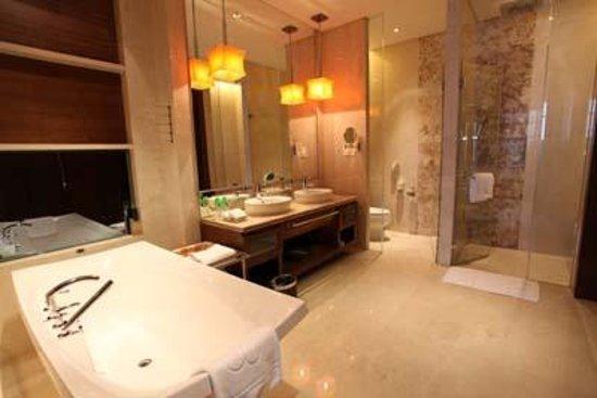 HJ International Hotel: bathroom