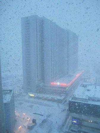 Alfa Hotel: На улице мерзко, а в номере тепло и уютно!