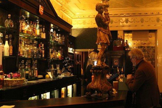 Penventon Park Hotel: Die Bar