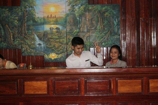 Angkor Pearl Hotel : Reception
