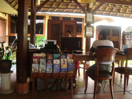 Desamuda Village: Reception Desk