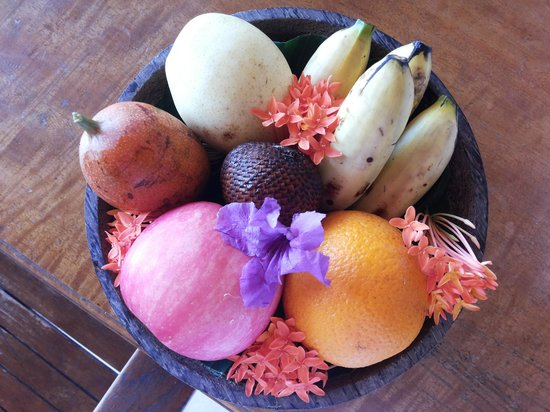 Desamuda Village: Wecome Fruit platter