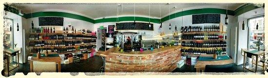 Weinfach Vinothek & Bar: Panorama view
