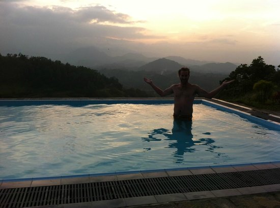 Sky Lodge: The amazing view from the pool