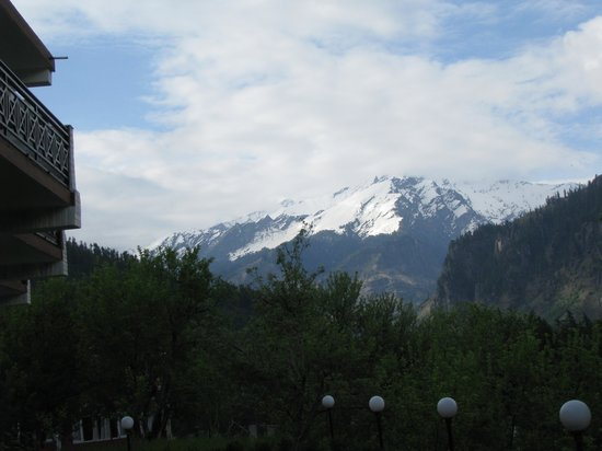The Manali Lodge: View from the hotel