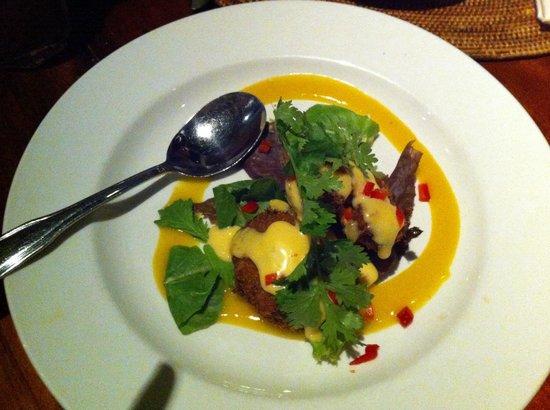 Cafe O'Lei Kihei : Crab cakes (2)
