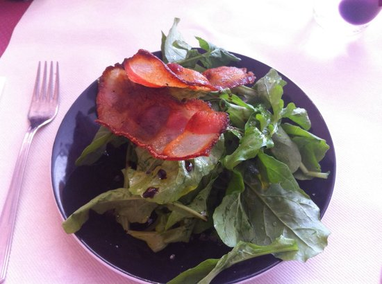 Trattoria Modigliani: Roquette fraîche et panchetta délicieux