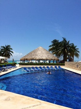 Ixchel Beach Hotel : Ixchel pool