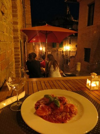 Zest Ristorante & Winebar: The prosecco, the food, the view...