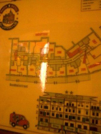 Hotel Nadia: floor plan of street side