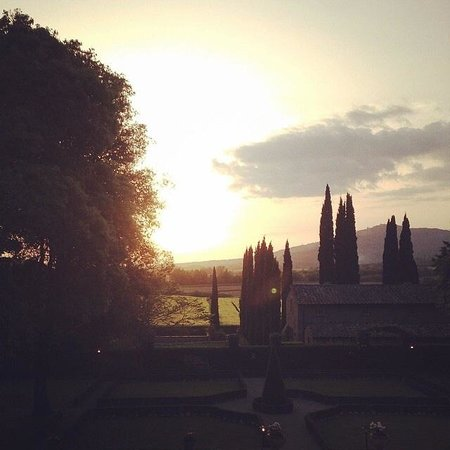 Villa di Piazzano: Sunset view from the villa!