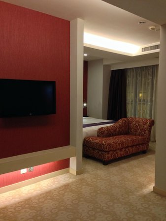 The Bauhinia Hotel - Central: 一番広いタイプのお部屋です