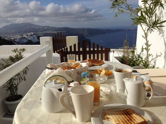 Santorini Mansion at Imerovigli: Breakfast with a view