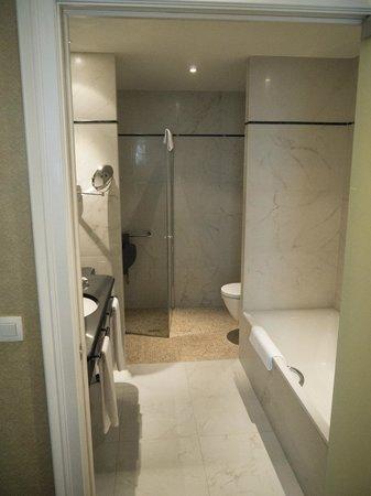 Grand Hotel Casselbergh Bruges : Bathroom