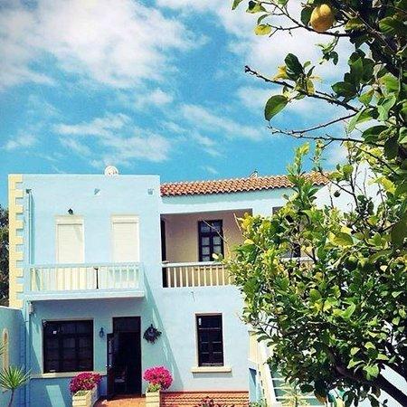 Giorgi's Blue Apartments