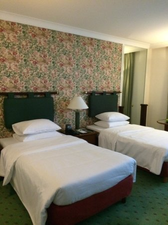 Hilton Hanoi Opera : Bedroom