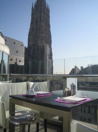 DO & CO Hotel Vienna: Restaurant terrace