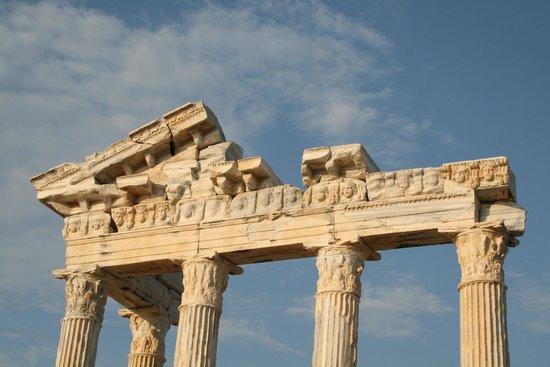 Temple of Apollo: Вверх Храма Апполона