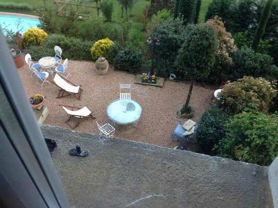 Villa Mina: Particolare patio