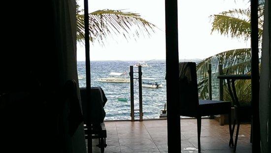 Lost Horizon Beach Dive Resort: Suite Room