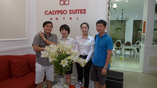 Calypso Suites Hotel: Reception with CS manager Amy
