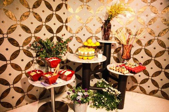 LiT BANGKOK Hotel: Coffee break at Function Room
