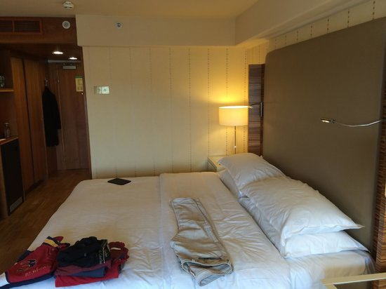 Sheraton Stockholm Hotel: Bed Area