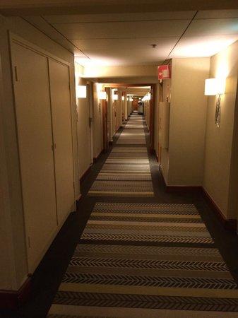 Sheraton Stockholm Hotel: Hallway