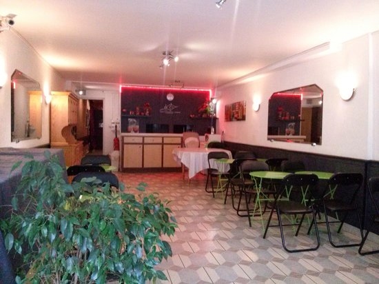 Adonis Lourdes: Breakfast/ eating area