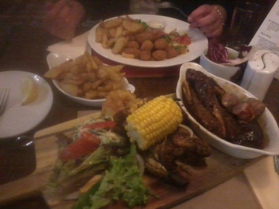 Wheatsheaf Inn: Meat combo!