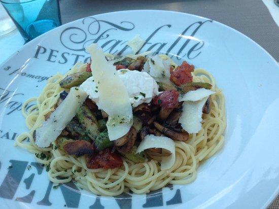 Les Quatre Vents: pate au gorgonzola et legumes.