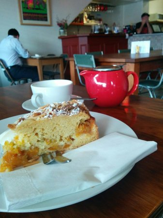 Saff's Cafe: Orange and almond cake with English breakfast tea in a pot.