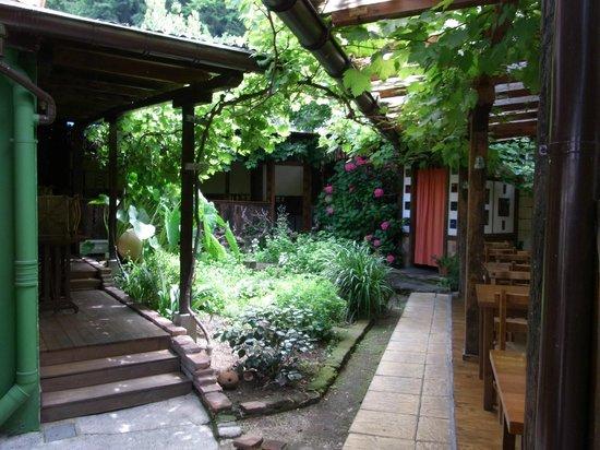 Astigarraga, España: Jardín